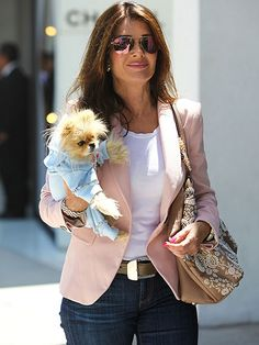 Lisa Vanderpump style - soft pink blazer with a white tee and jeans. And Jiggy :-)