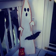 36'' tall wood Ghost Porch Pal.  Latest wood project, folk art, primitive wood, woodworking, ghost, halloween
