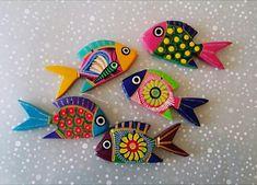 Bunt und folk mexikanischen handbemalt Holz Fische Tolle bunte Doodle von hand bemalt und Holz schnitzen. Dieses Angebot ist für 5 Fische, alle mit einzigartigen Designs. Keine giftigen Farbe wird verwendet. Lebendige Farben reflektieren die mexikanische Kultur. Die Fische können als