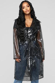 A Complete Guide to Choosing The Perfect Coat That Complements Your Taste This Season - Best Fashion Tips Raincoat Outfit, Pvc Raincoat, Raincoat Jacket, Yellow Raincoat, Vinyl Raincoat, Plastic Raincoat, Stylish Raincoats, Stylish Coat, Raincoats For Women