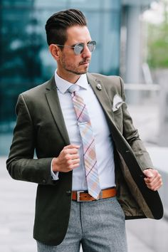 Fancy, Dapper, Men, Smart, Casual, Green Blazer, Ties, Leather Shoes, Brown, Shoes, Sunglasses, Menswear, Mens Style, Fashion, Mens Fashion, Wardrobe, City Style, Close Up, RayBan, Belts, Close Up, Briefcase, Korchmar Bags, MVMT
