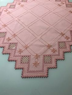 Hardanger Embroidery, Embroidery Stitches, Bargello, Needlework, Diy And Crafts, Quilts, Blanket, Home Decor, Farmhouse Rugs