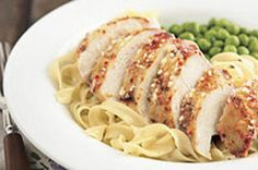Une marinade piquante au parmesan fait tout le charme de ce poulet!