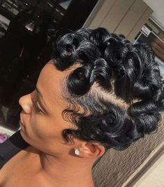 Vintage Hairstyles Curls 30 Vintage Glam Finger Wave Styles - Finger wave styles were big in the but you don't have to be from the past to try this look. Check out our fave finger wave looks for hair of any length! My Hairstyle, Girl Hairstyles, Teenage Hairstyles, Vintage Hairstyles, Black Girl Short Hairstyles, Hairstyles 2016, Wedding Hairstyles, Braid Hairstyles, Hairstyles Videos