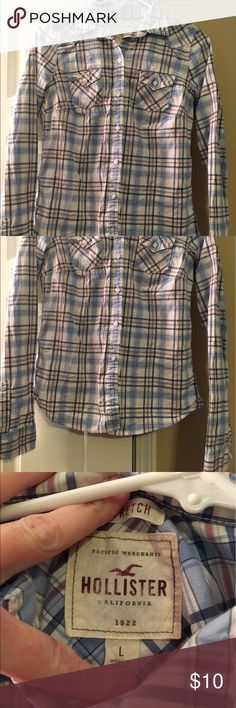 Hollister Button Down Hollister Button Down only worn 3 times size large Hollister Tops Button Down Shirts