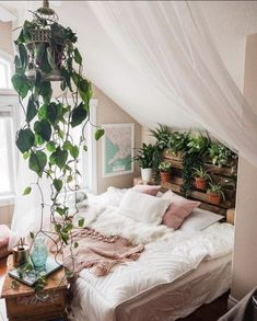 "l'art est une étoile no Twitter: ""Let your plants run wild to integrate nature into your home… "" ."