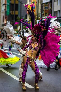 But of course the crowds focused more on the colorful samba costumes (complete with feathers and everything) going up and down the streets of Asakusa #Asakusa, #Samba 3/4 August 29, 2015 © Grigoris A. Miliaresis
