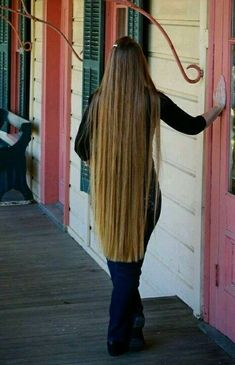 Long Blonde Curls, Curled Blonde Hair, Long Natural Hair, Long Brown Hair, Very Long Hair, Thick Hair, Straight Hair, Costume Noir, Harley Davidson