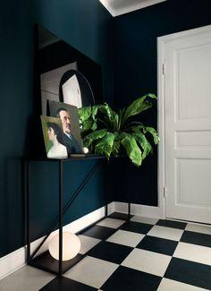 Stoer en elegant: een interieur met zwart, blauw en roze - Roomed