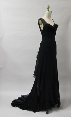 Evening dress, Charles James, 1930s, synthetic. -The Metropolitan Museum of Art  2013.419a, b