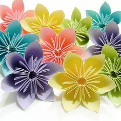Un origami facile fleur - çà va amuser des petit et des grands! Il est toujours gratifiant de faire naître un joli modèle origami facile fleur.