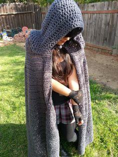 Fantasía Crochet capa gris oscuro / renacimiento por GamaChanRiot