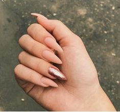 In seek out some nail designs and some ideas for your nails? Here's our listing of must-try coffin acrylic nails for modern women. Aycrlic Nails, Chic Nails, Oval Nails, Classy Nails, Stylish Nails, Trendy Nails, Simple Nails, Glitter Nails, Stiletto Nails