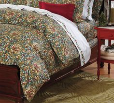 Boxwood Berry Cotton Sateen Duvet Cover from Cuddledown