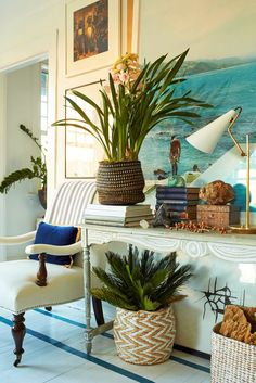 Living room by William R. McLure IV If you're searching for innovative gardening ideas that go beyond the basic soil and some seeds, check out these gardening ideas and inspiration