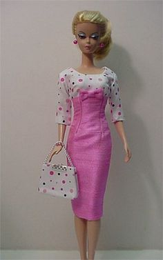 barbie dresses  ..35. 28. 3 qw