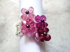Tarindanillos: Anillos Swarovski Anel Tutorial, Beaded Rings, Diy Cards, Birthday Cards, Projects To Try, Jewelry Making, Beads, Crafts, Tutorials