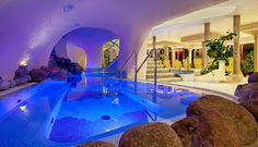 THERMENWELT Hotel PULVERER***** #leading #spa #resort #leadingsparesort #indoor #wellness #holiday #pool #baden #wasser #outdoor #pulverer #kärnten #österreich #theme #medical Medical Wellness, Wellness Spa, Resorts, Baden Germany, Outdoor Bathtub, Hotels, Indoor, Mansions, How To Plan