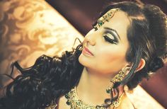 Always use a primer when applying ur make up!! Arabic make up look for reception