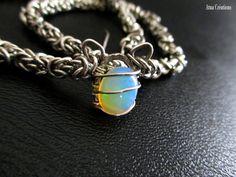 Collier Astarté avec une belle opale éthiopienne par AtuaCreations