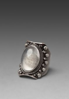 Not metal clay, but do-able in...low luv moonstone ring in palladium