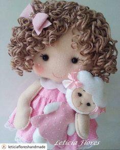 1 million+ Stunning Free Images to Use Anywhere Sock Dolls, Felt Dolls, Baby Dolls, Crochet Doll Tutorial, Crochet Dolls, Felt Fabric, Fabric Dolls, Sewing Dolls, Doll Hair