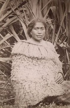 The Maori peoples of New Zealand consider themselves its First Nations. There is much discussion and much dispute over the question of where they came from. Maori Designs, Asian History, Women In History, Black History, Maori Tribe, Polynesian People, Maori People, Nz Art, Aboriginal People