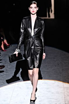 Salvatore Ferragamo Fall 2011 RTW - Review - Fashion Week - Runway, Fashion Shows and Collections - Vogue