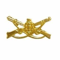 Distintivo De Arma Da Infantaria Dourado Ombro Mod Exército - Padrão RUE DIMENSÕES: Tamanho único. Medidas: 30mm comprimento x 20mm de altura (3cm x 2cm).   VANTAGENS: - PROPORCIONA EXCLENTE NÍVEL DE APRESENTAÇÃO INDIVIDUAL.