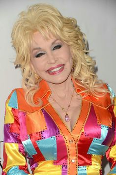 Dolly Parton Costume, Dolly Parton Pictures, Coat Of Many Colors, Country Music Singers, Living Legends, Hello Dolly, Doll Face, Celebrities, Diva