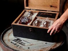 Kentucky Bourbon Whiskey Gifts - PAPPY & COMPANY - Old Rip Van Winkle Distillery
