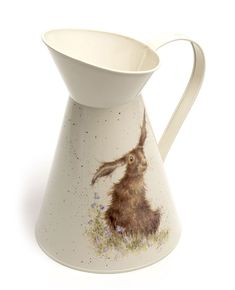 Fantastic range of county flower jugs by Wrendale Designs, inspired by renowned artist Hannah Dale. Countryside Style, Wrendale Designs, Graham Brown, Farm Yard, Bed Styling, Hare, Flower Decorations, Decorative Accessories, Home Art
