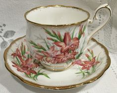 Vintage ROYAL ALBERT - Bone China Tea Cup & Saucer - Gladiolus