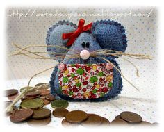 use this idea to make a simple bunny with floppy ears Felt Christmas, Christmas Holidays, Christmas Crafts, Christmas Ornaments, Jean Crafts, Denim Crafts, Quilting Projects, Sewing Projects, Projects To Try