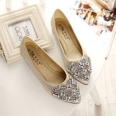 Crystal Rhinestones Pointed Toe Slip On Women Flat Shoes