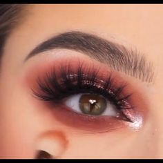 Gold Eye Makeup, Edgy Makeup, Eye Makeup Steps, Makeup Eye Looks, Cat Eye Makeup, Dramatic Makeup, Makeup For Brown Eyes, Eyeshadow Looks, Eyeshadow Makeup