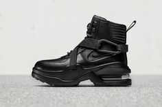 finest selection f78a1 3b1d2 Nike s Air Max Goadome Returns in a Stealthy Black Look