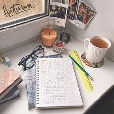 #flatlay #school #book #instagram #girl #anastasial_29 @anastasial_29