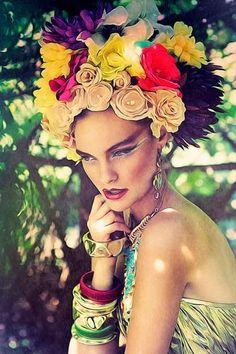 The 'Flowers Renessaince' Imperium Kobiet Editorial Exudes Feminini trendhunter.com