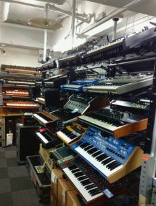 Five G Toyko - Take A Look At The Best Vintage Synthesizer Store