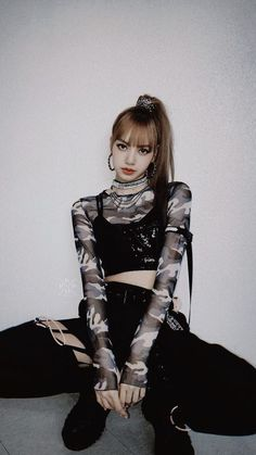 Check Out Why People Are Going Crazy on How Cute Blackpink Lisa is - HapyLukeTh Jennie Blackpink, Blackpink Lisa, Blackpink Fashion, Korean Fashion, Blackpink Outfits, Moda Kpop, Kpop Mode, Lisa Blackpink Wallpaper, Black Wallpaper