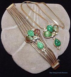 Vintage Unsigned Schreiner? Green Fluss Rhinestone Ornate Bracelet & Necklace