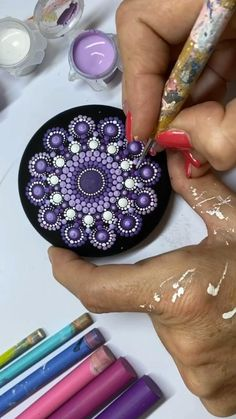 Dot Painting Tools, Rock Painting Patterns, Dot Art Painting, Mandala Painting, Pebble Painting, Pebble Art, Stone Painting, Mandala Painted Rocks, Mandala Rocks