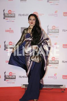 Legendary actress Rekha ji in saree at filmfare awards 2018