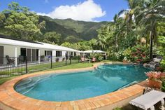 Jungara Cairns Bed and Breakfast Cairns Offering an outdoor pool, free WiFi and included breakfast, Jungara Cairns Bed and Breakfast is located alongside Freshwater Creek State Forest. All rooms feature a balcony offering mountain and garden views.