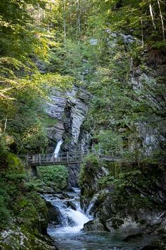 Schöne Wanderung zum Gräppelensee im Toggenburg Stollen, Water, Outdoor, Mother Nature, Waterfall, Road Trip Destinations, Places To Travel, Water Water, Outdoors