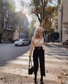 Classy Aesthetic, Aesthetic Fashion, Aesthetic Clothes, Tomboy Formal Outfits, Cute Casual Outfits, Top Street Style, Street Style Women, Romantic Outfit, Elegant Outfit