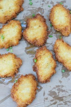 Yuca Fritters (Arepitas de Yuca) ~ A delicious and simple recipe that makes a great snack, appetizer or a side dish for any meal! Yuca Recipes, Cooking Recipes, Crackers, Sauces, Appetizer Recipes, Appetizers, Vegetable Stew, Comida Latina, Finger Foods