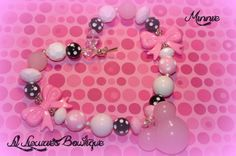 Listing includes(1) 3D Pink Minnie Mouse  chunky beaded necklace.   Adorable necklace to compliment any outfit your darling diva chooses.    Chunky beaded necklaces are are an extremely popular fashion item for all ages.  They make great gifts for birthdays, holidays, or just because.  Beaded n...
