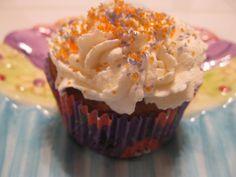 Sweet Light Angel Food Cupcakes with Meringue Icing | Angel Food ...